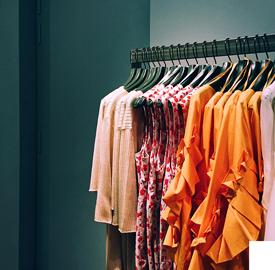 https://manana-nijmegen.nl/wp-content/uploads/2019/08/hoe-jouw-kleding-bijdraagt-aan-de-plastic-soep-3.png